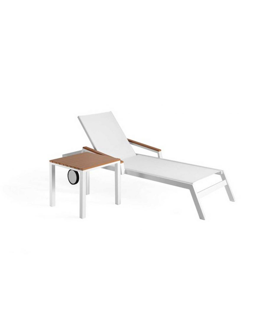 Baoli sunbed and matching corner table