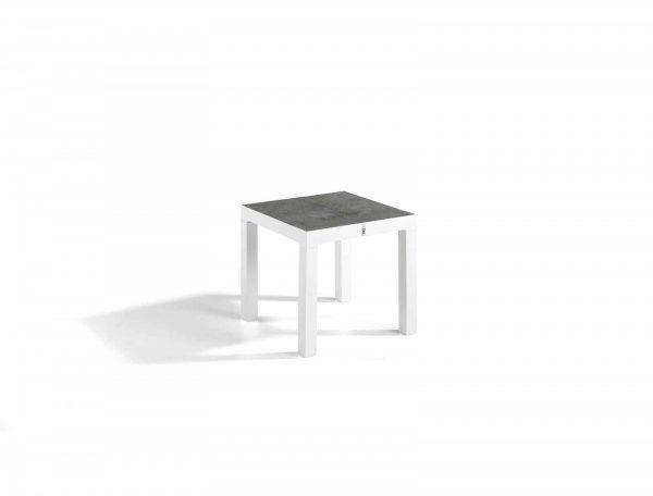 Brus_corner_table_1