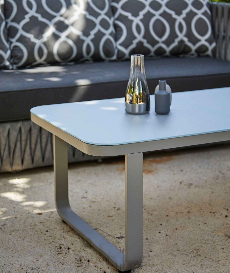 Nadine coffee table detail