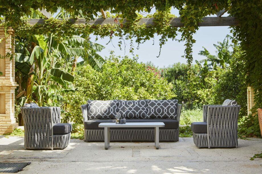 Nadine sofa set